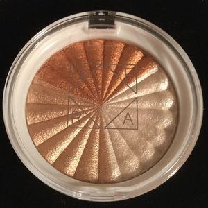 New ❤️ OFRA X NIKKIETUTORIALS Highlighter EverGlow